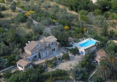 Large Private Villa with Pool and Gardens