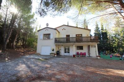 Beautiful Villa with Wooded Parkland Gardens