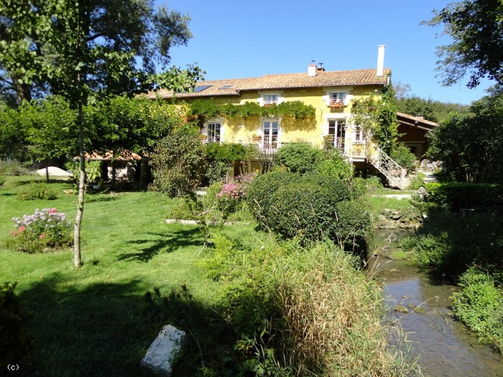 Main Photo of a 4 bedroom  Mill for sale