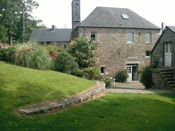 Main Photo of a 8 bedroom  Mill for sale