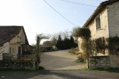 Renovated Detached Farm House With Outbuildings