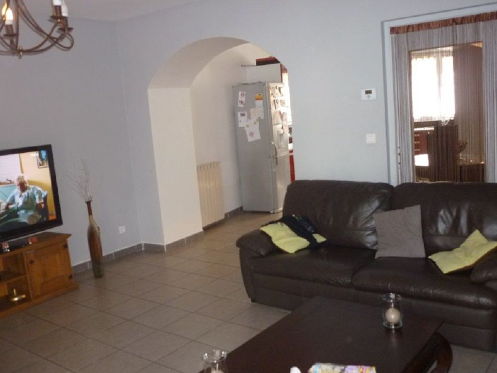 Main Photo of a 4 bedroom  Town House for sale