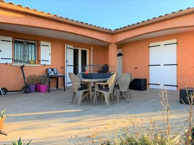 Lovely Detached Villa with Garden