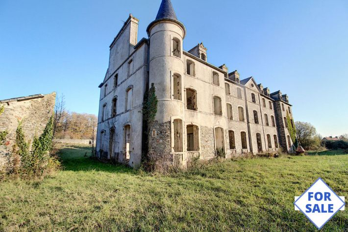 Main Photo of a 12 bedroom  Chateau for sale
