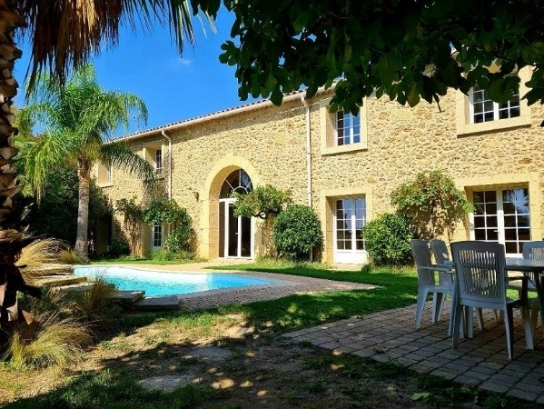 Magnificent Stone Property With 550 M2 Of Living Space On A 950 M2 Plot With Pool And Views !