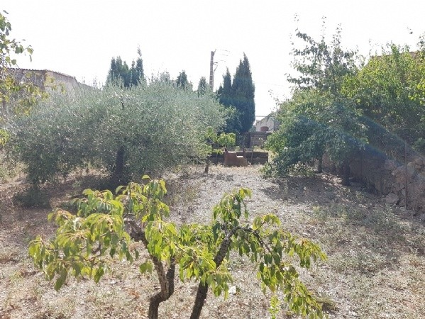 Building Plot Of 590 M2 With Water And Sewage In A Hamlet At 25 Minutes From Beziers.