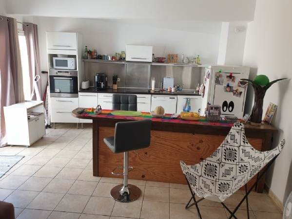 Restaurant, Rented Loft, Apartment To Finish Converting And Independent Garage With Terrace.