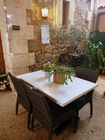 Well Known Restaurant/b&b In Very Touristic Area Just 10 Minutes From Pezenas.