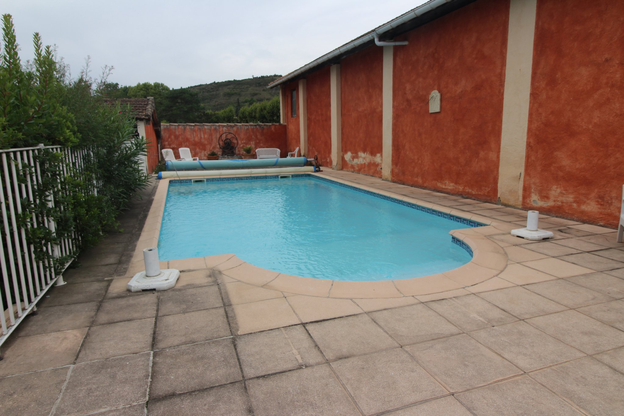 Main Photo of a 6 bedroom  Town House for sale