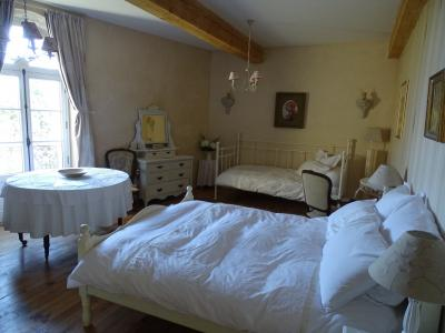 Beautiful Manor House with Two Guest Cottages